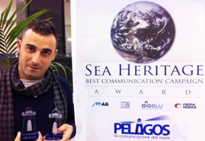 Carmelo Fanizza con i due premi Pelagos