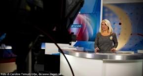 Siv Kristin Sællmann, nyhetsoppleser i NRK Sørlandet. Har fått føringer om ikke å bruke kors på TV. Fra NRKs lokaler på Tangen i Kristiansand.religiøse symboler symbol