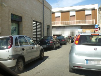 Maruggio via Crocifisso doppio senso di marcia-