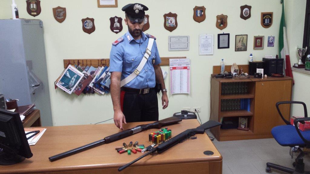 Foto armi e munizioni