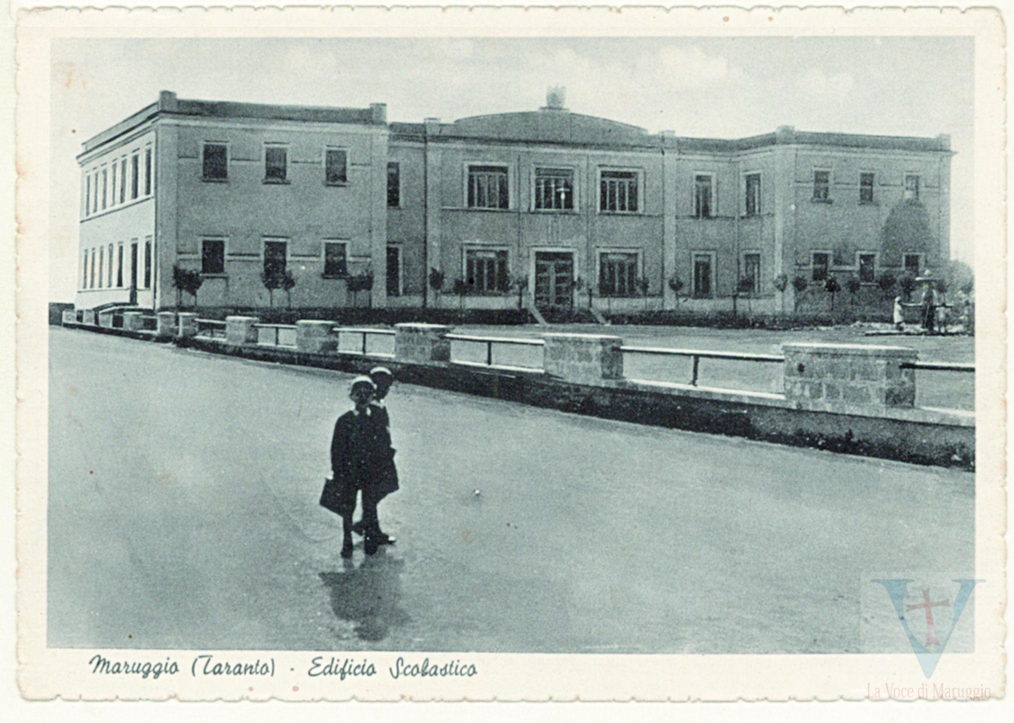61 Edificio scolastico (1954)
