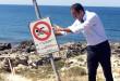 Sindaco-Ecclesia-rimuove-ex-cartello-divieto-Balneazione