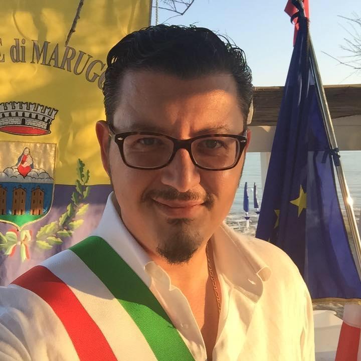 Il sindaco di Maruggio Alfredo Longo