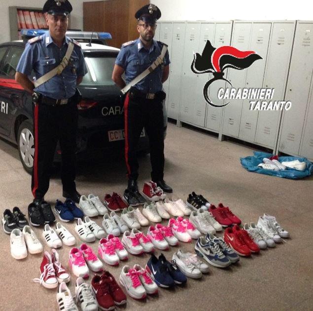 foto scarpe contraffatte