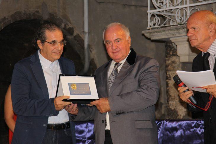 pierfranco-bruni-alla-premiazione-2015-730x487