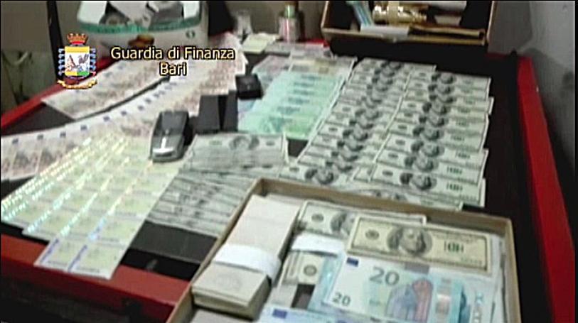 Banconote false e francobolli taroccati la banda di falsari agiva a Casoria