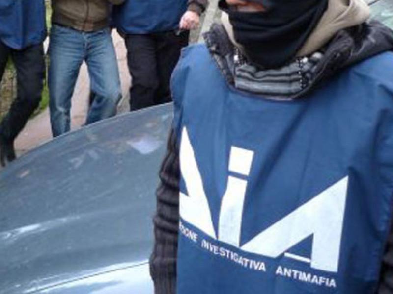 Mafia e voto di scambio, 27 arresti: ci sono anche due sindaci