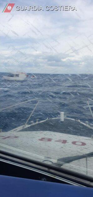 maruggio guardia costiera